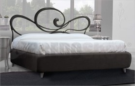 Wrought iron bed Cupid 2