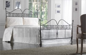 Ruby iron bed