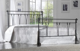 Pastoral iron bed
